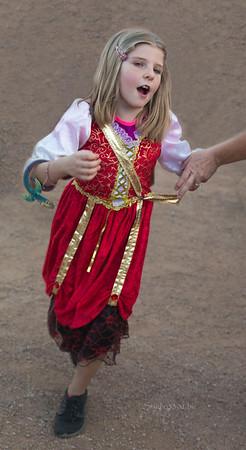 Ren girl dancing 8785