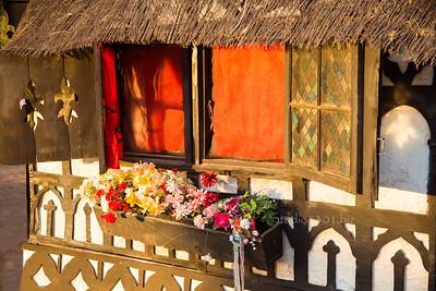 Renaissance cottage 8774