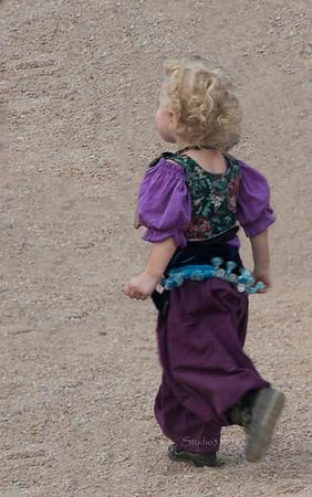 Child  walking away 8793