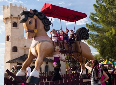 Giant rocking horse 8586
