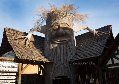 Tree face Broomhilde 8649