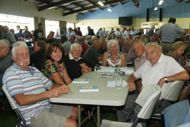 Pic 7246 Robbie Bell, Mrs R Bell, Walter Bell, Jenny Truscott, Derek Weir, Brian Donavan