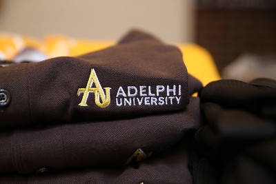 Adelphi University | Day of Giving 2016. Photo Credit: Chris Bergmann Photography