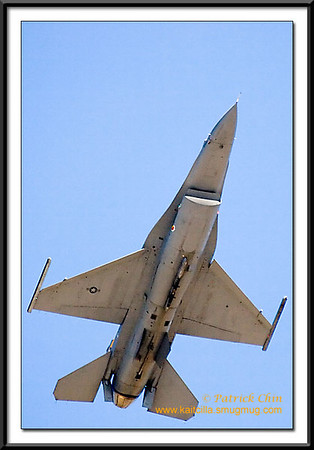 F-16 shooting up the sky.