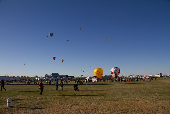 Last balloons departing.
