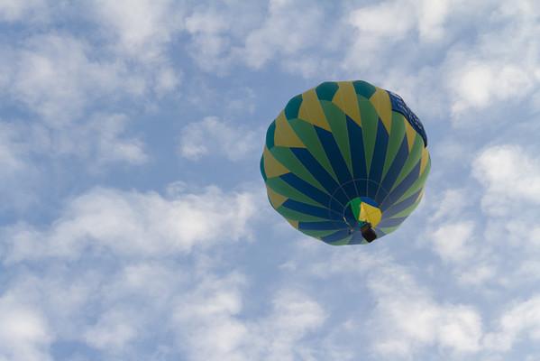 Sundagger aloft!