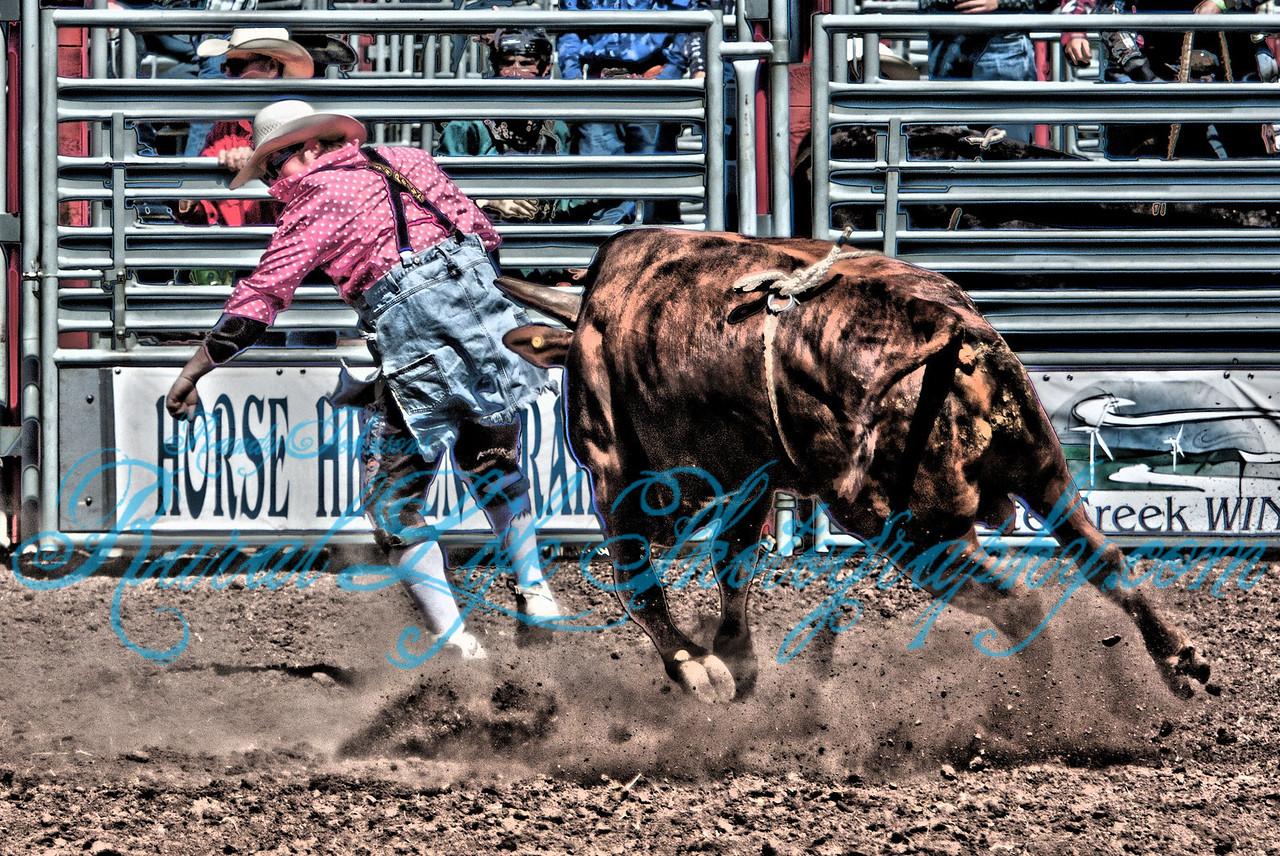 This is seconds before this Bull Fighter broke his leg.