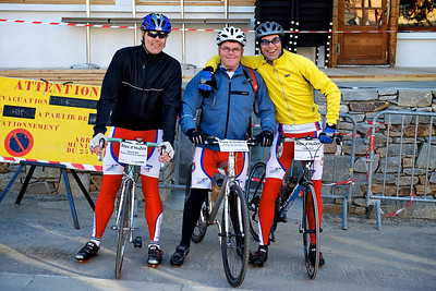 Hessel, Geurt and Hugo ready for the first climb of Alpe d'Huez.