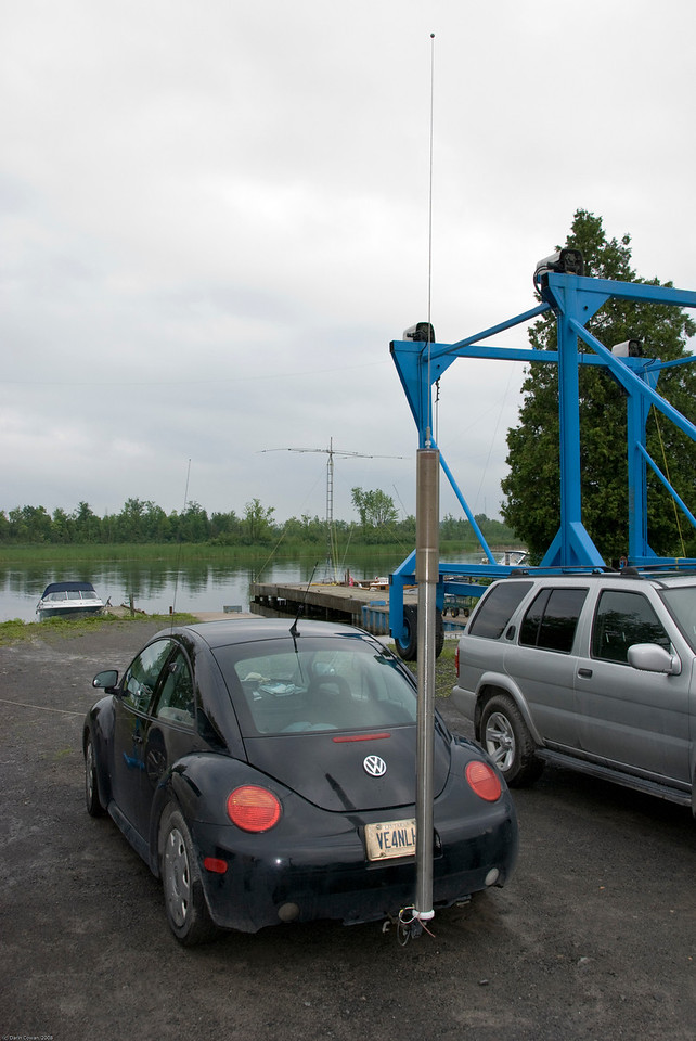 The VE3NLH self-propelled antenna.