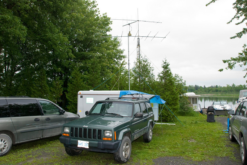 VO1NO shack from the outside, showing the 6m and 2m yagis.
