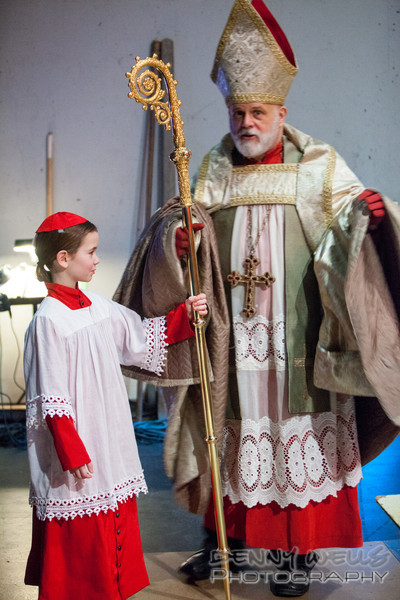 AO Tosca<br /> Assisting the Cardinal with his staff back stage.