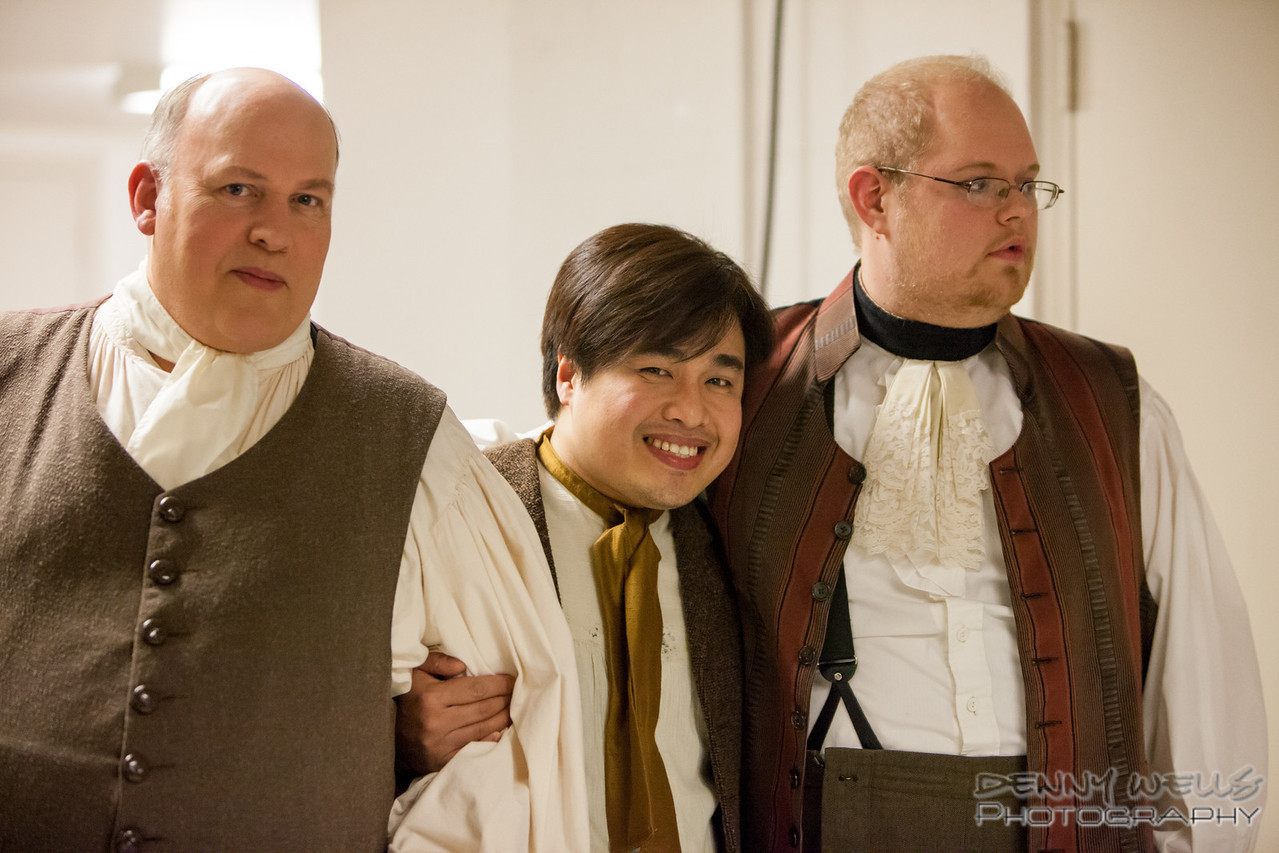 AO Tosca Men of the Chorus.