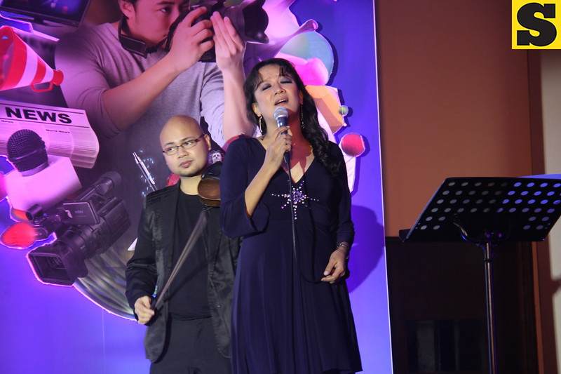 Cooky Chua entertains the crowd during the Cebu Media Excellence Awards 2014