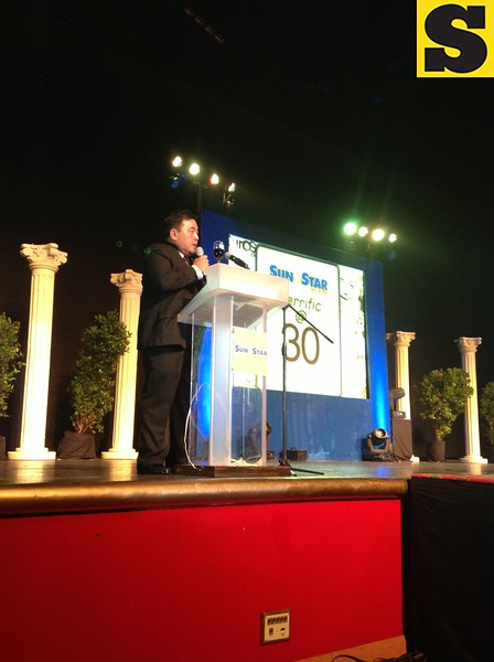 Sun.Star Publishing Inc. President and CEO Julius Vincent Neri led the anniversary toast.
