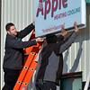 0207 apple sign