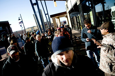 People form lines and surround the Apple Store in the Twenty Ninth Street Mall in Boulder, Saturday, April 3, 2010. The i Pad went on sale Saturday morning.   DAILY CAMERA/KASIA BROUSSALIAN  For a video of the event, please visit www.dailycamera.com