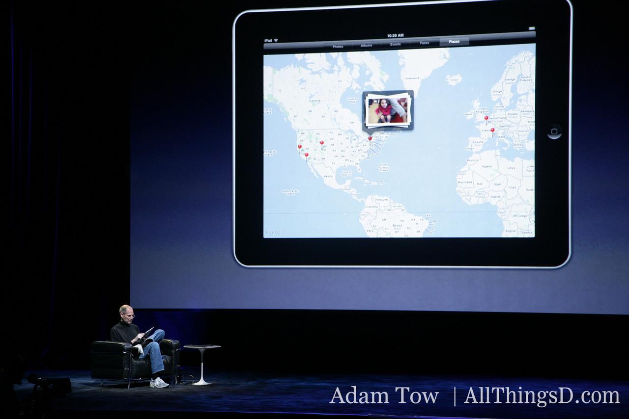Steve Jobs demos WiFi, BlueTooth, accelerometer, compass.