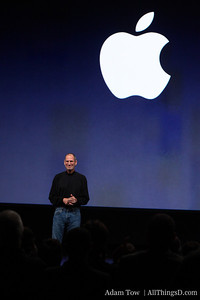 Steve Jobs kicks off the Jan. 27 Apple event.