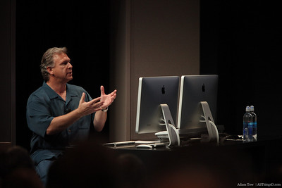 Phil Schiller gives us a glimpse of the new features in iPhoto.