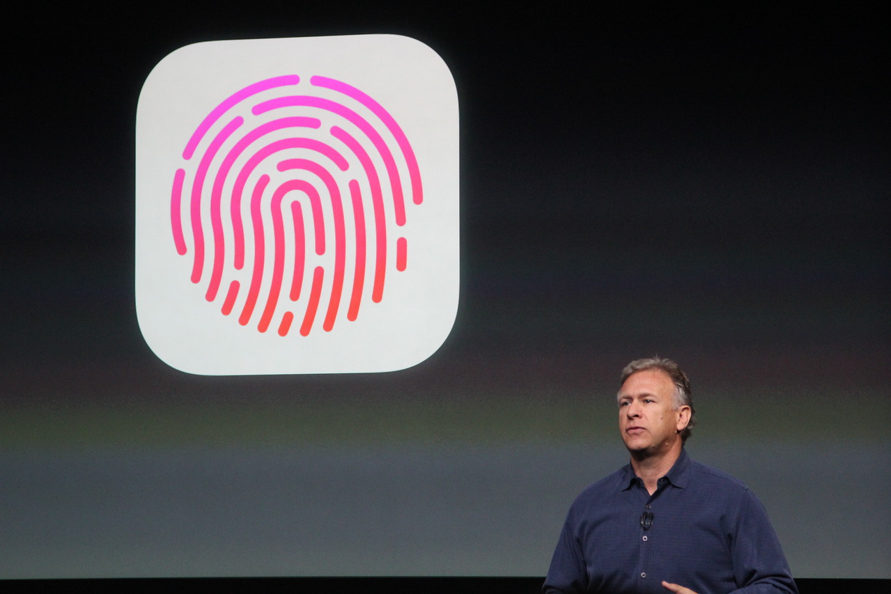 The last big feature discussed was Touch ID, a security alternative to passcodes that can read users' fingerprints.