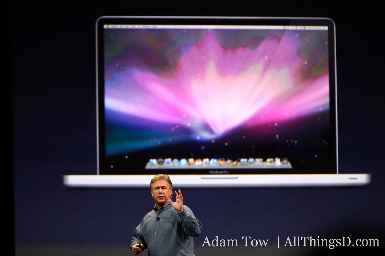 "Phil Schiller announcing the new 17"" MacBook Pro."