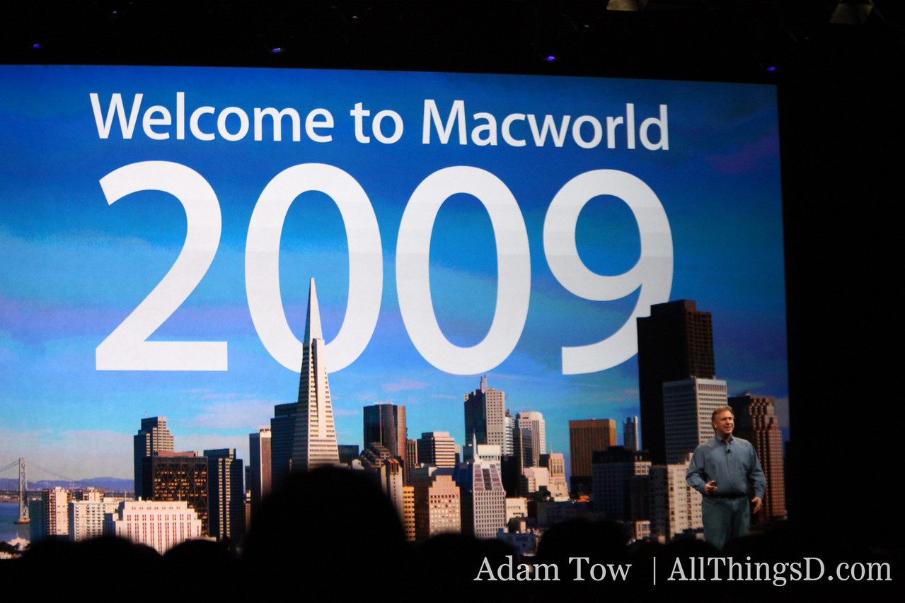Phil Schiller talks from the MacWorld 2009 stage.