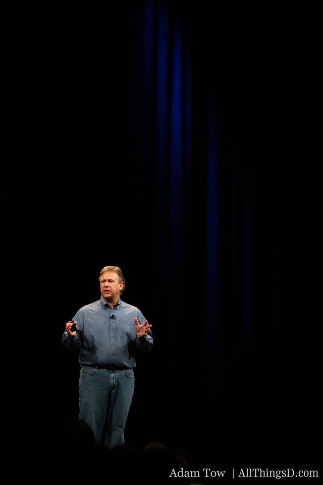Phil takes over keynote duties from Steve Jobs at MacWorld 2009.