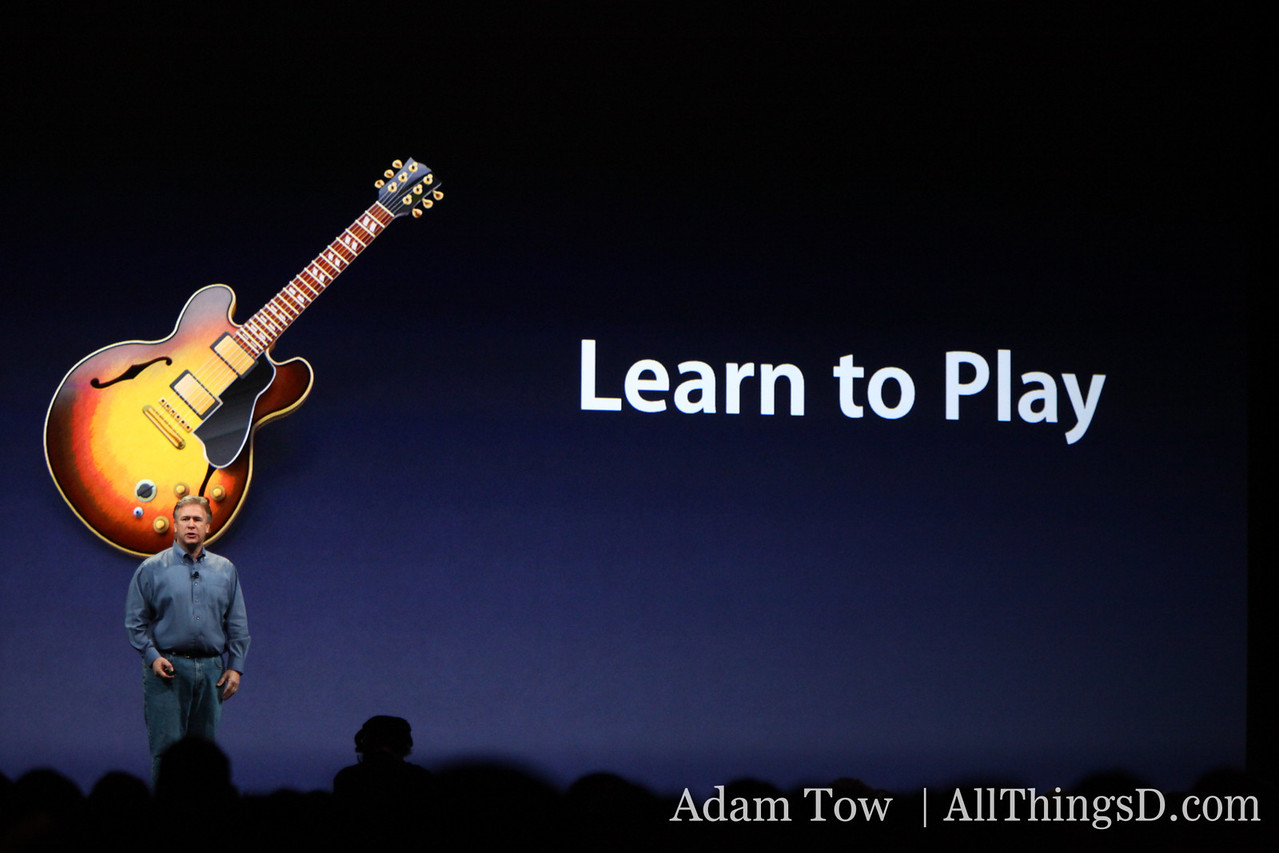 Phil talks about the Learn to Play feature in GarageBand 09.