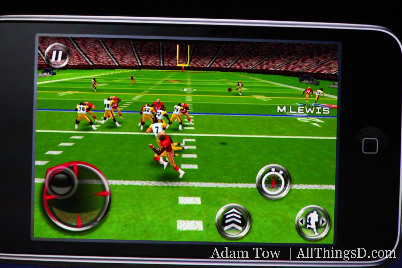 Play action screenshot from Madden.