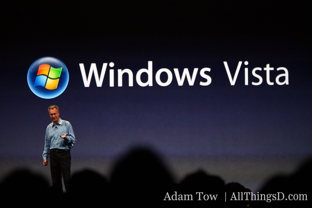 """Bertrand Serlet, Apple's SVP of Software Engineering, critiques competitor Windows 7 as """"fundamentally another version of Vista. It's the same old technology."""""""