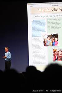 Bertrand Serlet, Apple's SVP of Software Engineering, describes photo features.