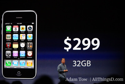Apple CEO Phil Schiller runs through pricing and features.