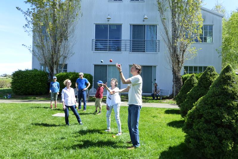Aqus Petaluma Juggle_In020_03-20-16.JPG