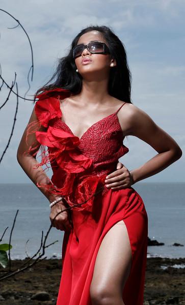Mutya ng Dabaw 2012 candidate Maria Theresa Tan