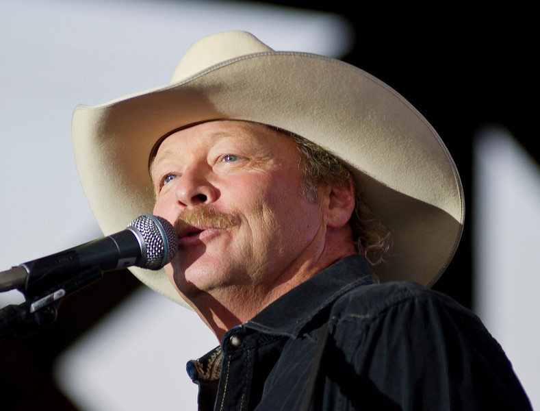 Country music star Alan Jackson sings on stage Sunday at the Trails End Concert Park.  (Justin Sheely/The Sheridan Press)