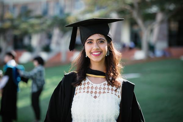 2_Bond_University-Graduation_Photographer-_Arisa_Alurkoff_Film_and_Photography_Brisbane