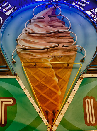 Ice Cream cone sign 1405bip