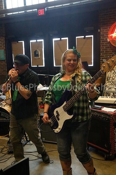 Pete Overaigis, Jodie Woodstock - Chasing The Sun band