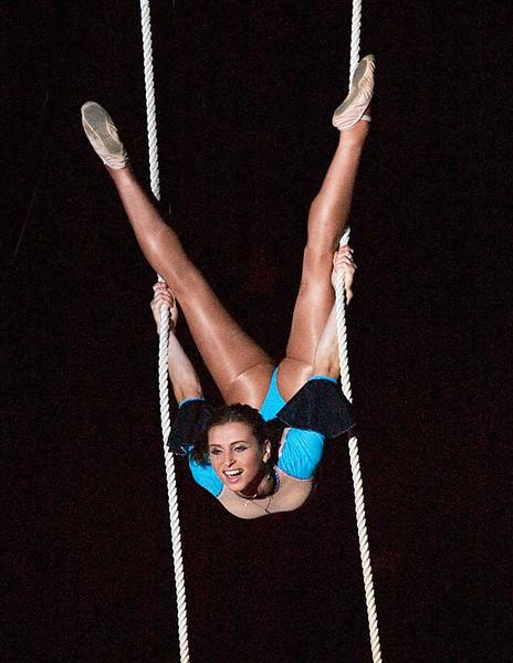 Trapeze artist 2