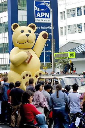 Teddy bear Santa Parade Auckland New Zealand - 27 Nov 2005