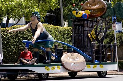 Kiwiana Santa Parade Auckland  New Zealand - 27 Nov 2005