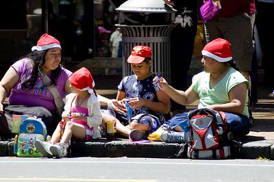 Waiting for the parade along Queen St Santa Parade Auckland  New Zealand - 27 Nov 2005