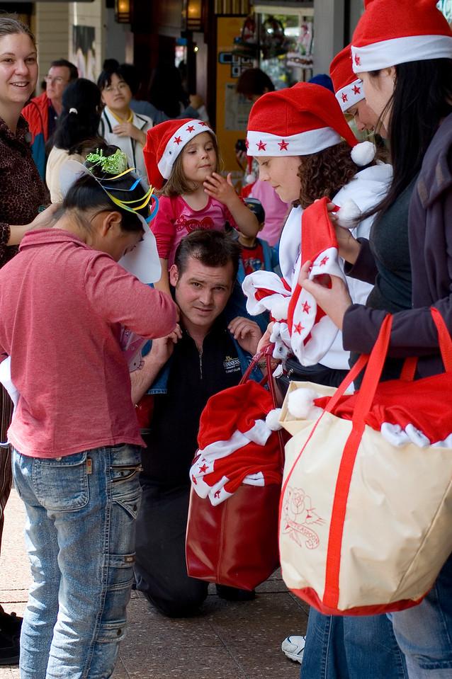 Getting ready Santa Parade Auckland New Zealand - 27 Nov 2005