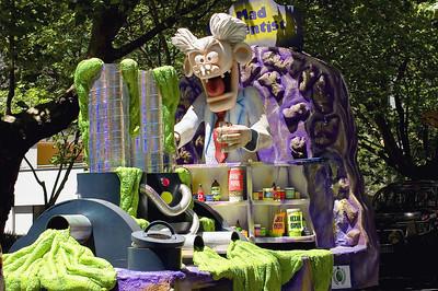 Mad scientist Santa Parade Auckland  New Zealand - 27 Nov 2005