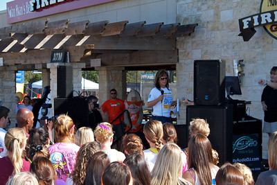 Austin walk for Autism - 2010-10-09 - IMG# 10-006223