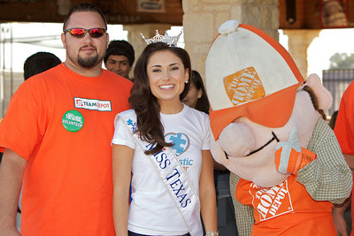 Austin walk for Autism - 2010-10-09 - IMG# 10-006178