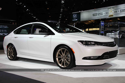 Mopar Chrysler 200.