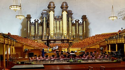 Inside the Mormon Tabernacle... check out the immense pipe organ