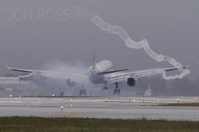 757 Arrival, MIA Runway 30 | Miami, FL