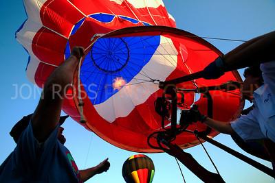 Tamiami Balloon Race 2008 | Tamiami, FL Canon EOS 5D | Canon EF 16-35mm f/2.8 L USM1/250s | f/8 @ 16mm | EC -1/3 | ISO 400